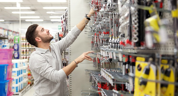 Why Shopping at Your Local Hardware Store is Better?